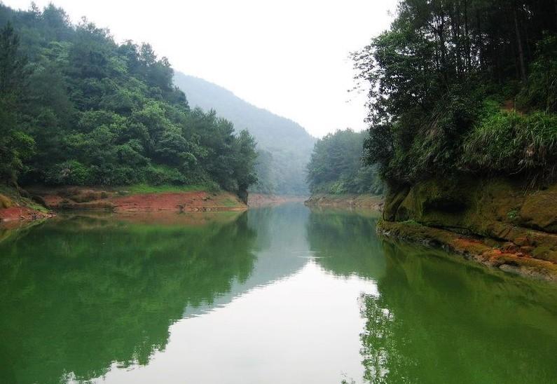 马耳岩水库风景区位于南溪县大观镇